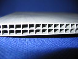 Výroba kartonplastových obalů